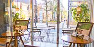 Khazana Coffee(カザーナ・コーヒー) 約160m(徒歩2分)