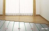 足元から部屋全体を暖めるため健康的です。埃の舞い上がり等もなく空気を汚さず衛生的です。