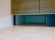 洗面化粧台の下部には、ヘルスメーターの収納スペースを確保。使用の際も簡単に取り出せます。