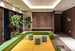 マンション2階に居住者同士の交流の場として設置される多目的スペース。屋内なので、雨の日のお子様の遊び場にもぴったり(使用制限有り・無料)
