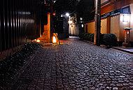 神楽坂「八仙」前の石畳 徒歩15分/約1,130m※提供写真