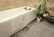 暖房、涼風機能を備えた東京ガスのTES温水式浴室暖房乾燥機を標準設置。衣類の乾燥にもご利用いただけます。