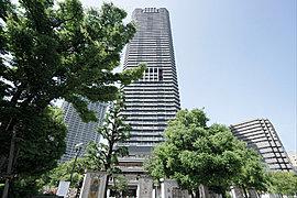 東京タワーを眺めながら、大切な家族や来客と過ごすことができる贅沢な場所です。