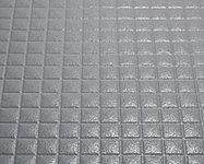 特殊な表面処理で皮脂汚れがつきにくくなっています。また従来に比べて床の溝が浅くなり、お掃除がしやすくなりました。