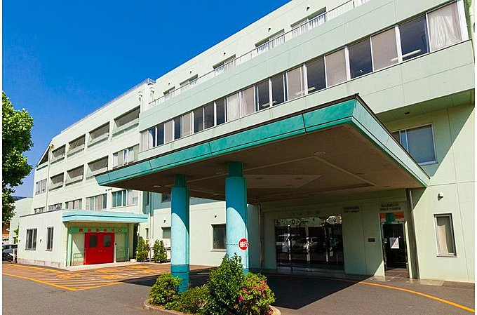 調布病院 約500m(徒歩7分)