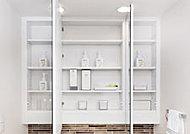 鏡の背面には収納スペースが設けられ、化粧品やヘアケア用品などをすっきりと納めることができます。