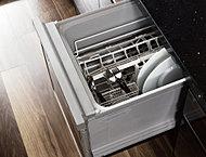 家事の手間を省いてくれ、手洗いに比べ節水効果のある、食器洗い乾燥機を標準採用しました。