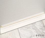 浴室入口の床段差を軽減し、安全性に配慮しています。