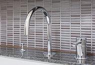 優れた技術力とモダンなイタリアンデザインの水栓金具メーカー、ズケッティ社の混合水栓を採用しています。