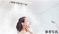 一気に発汗を促すスプラッシュミストとナノレベルの微細水でお肌のうるおいを高めるマイクロミストなど多彩な機能付の浴室暖房乾燥機を採用。