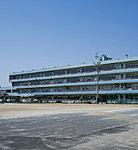 栄中学校 約960m(徒歩12分)