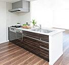 機能と美観のコンビネーションが心地よいキッチン。