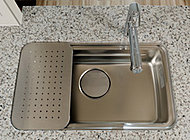 調理プレートや、水切りプレートでスペースを自分仕様に設定できます。(一部タイプを除く)