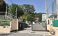 市立衣笠中学校 約1,140m(徒歩15分)