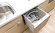 お食事後の後かたづけの負担を大幅に軽減してくれる、ビルトイン式の食器洗い乾燥機を設置しました。