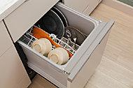 パワフルに温水洗浄可能な、食器洗い乾燥機。空間をスマートに演出するビルトインタイプ。※一部住戸除く