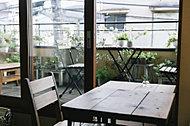 カフェ シュクラン 約610m(徒歩8分)