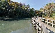 姿見の池 約1,370m(徒歩18分)