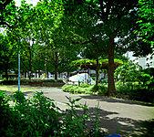 中津東公園 約190m(徒歩3分)