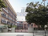 区立麹町中学校 約860m(徒歩11分)