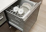 手洗いより節水効果の高い食器洗い乾燥機を標準装備。片付け時間を短縮でき、ゆとりの時間が生まれます。