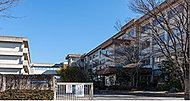 市立篠目中学校 約1,640m(徒歩21分)