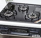 全口温度センサー付の3口コンロ。温度調整機能・グリルタイマー機能・ワイド火力バーナーも備えました。