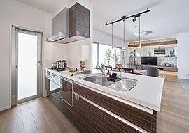 料理から後片付け、お手入れもスムーズにこなせ、そのうえ優れたデザインだから毎日の家事の時間が楽しみに。