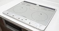 火を使わず安全・安心。しかも、火加減のコントロールや調理機能を高めた使いやすさに配慮したクッキングヒーターです。