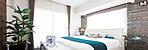 2面採光の明るく大きな広がりが心地よい主寝室。収納力のあるワイドクロゼットや物入れをプランした便利で気持ち良い設えは、穏やかな安息感や深い安らぎのを愉しめるプライベート空間です。