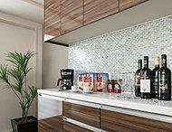キッチンスペースとのバランスを考えた標準装備。たっぷりと食器や調理器具がしまえるほか、炊飯器などの調理家電もすっきり置け、キッチンワークがより快適・軽快になります。