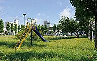 かまきり公園 約30m(徒歩1分)