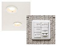 センサーが人の動きを感知し、玄関のダウンライトが自動点灯。夜間にスイッチを探す手間がありません。