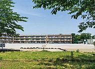 松葉第一小学校 約710m(徒歩9分)