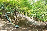島の上公園 約800m(徒歩10分)
