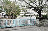 美原小学校 約490m(徒歩7分)