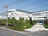 三郷市総合体育館 約880m(徒歩11分)