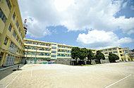 北九州市立足立中学校 約2,010m(徒歩26分)