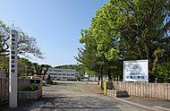 延岡市立岡富小学校 約505m(徒歩7分)