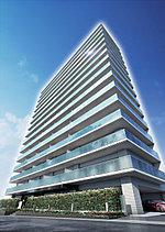 進化を続ける仙台エリアの都市景観に彩りを添えるレジデンス。再開発により生まれ変わる仙台エリアに圧倒的なスケールを誇示するファサードが彩りを添える地上15階建てレジデンス。