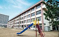 榴岡小学校 約660m(徒歩9分)