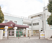 横浜市立山元小学校 約270m(徒歩4分)