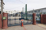 区立下北沢小学校 約1,300m(徒歩17分)