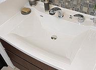洗面のボウルは洗練されたカウンター一体型。継ぎ目がないためデザイン性が高く、お手入れも簡単です。