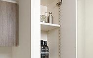 タオルや衛生用品など洗面廻りがスッキリと片付くリネン庫を洗面室に設置し、快適な空間を生み出します。