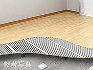 リビング・ダイニングには、床暖房を採用。お部屋全体を足先からムラなく暖めます。また、ファンを使わないのでホコリを巻き上げません。