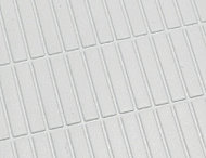 浴室の床は、乾きやすく滑りにくい形状のフラッグストーンフロアを採用。お掃除もしやすく、清潔な快適環境を保てます。
