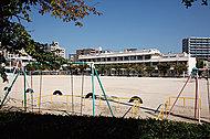 広島市立神崎小学校 約290m(徒歩4分)