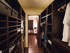 各タイプの主寝室(Bタイプを除く)および一部の洋室にウォークインクローゼットを設置しました。