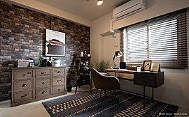 すべての空間にこだわりを。趣味や仕事など住む人のライフスタイルに合わせて自由に使えるホビールームをはじめ、広々としたバルコニーや上質な玄関など、すべての空間の細部にまでこだわりを注ぎました。